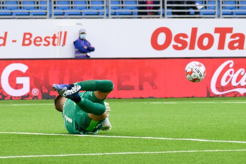 Kjetil Haug hindra flere gode forsøk fra hjemmelaget før hvilen (Foto: Morten Mitchell Larød / SPORTFOTO)